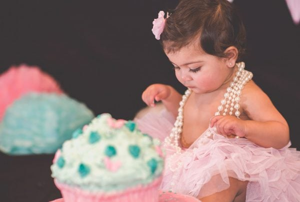 Harper's Cake Smash photography by Pause The Moment