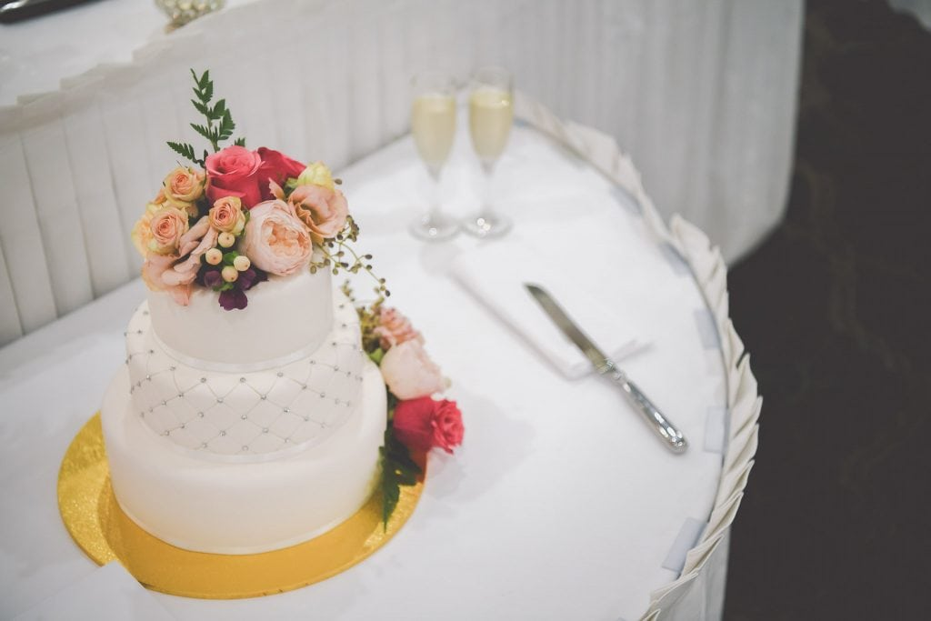 Beautiful Melbourne wedding photography of a stunning cake captured by Melbourne wedding photographer Pause The Moment